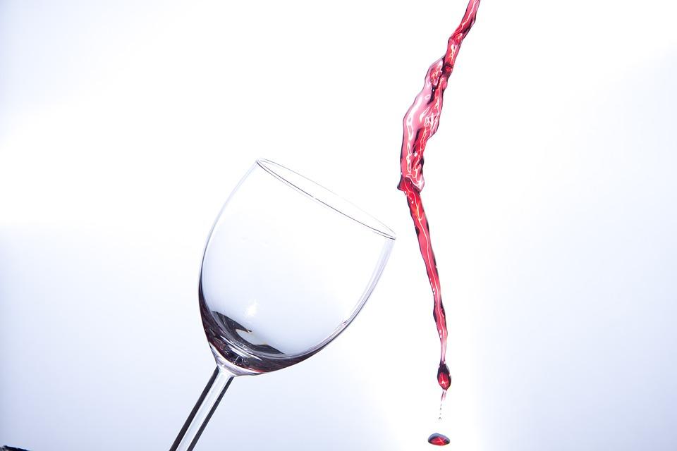 Es beneficioso tomar una copa de vino diaria Sanitas Promo Salud